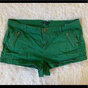 Gap Stretch Green Shorts